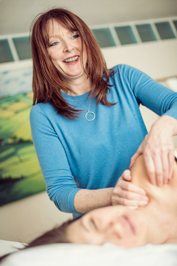 Menopause acupuncture and advice on how to balance hormones naturally
