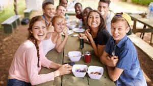 Teens eating healthy food